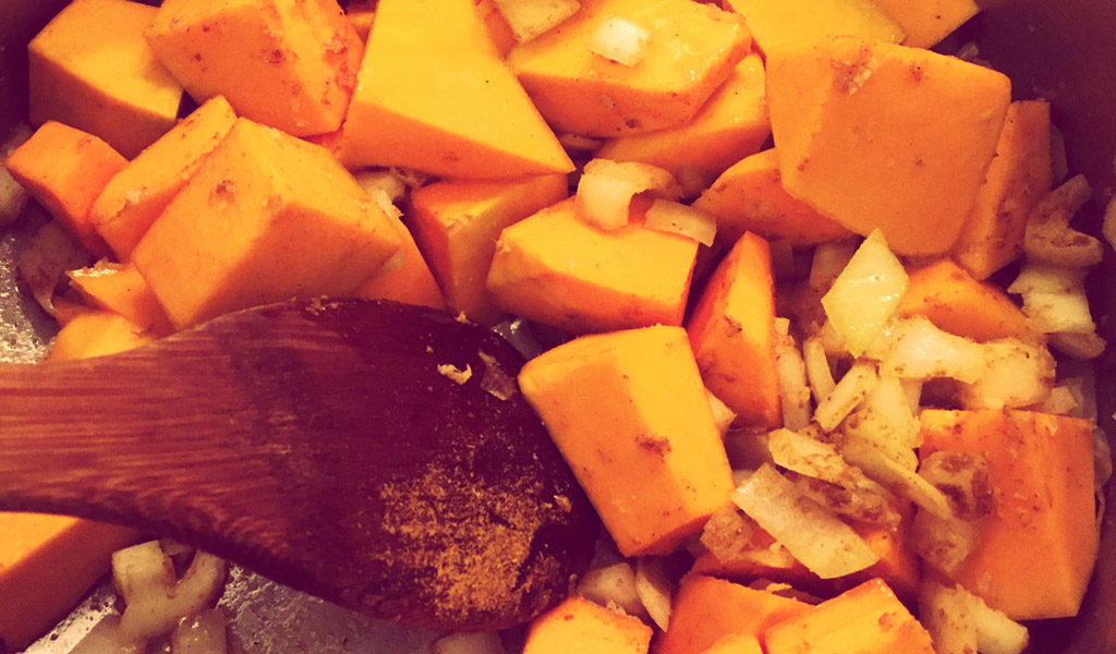 Stir frying pumpkin