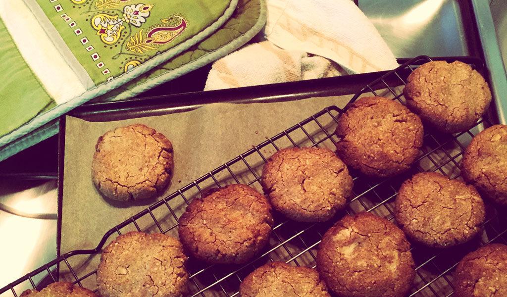 Chai spiced macadamia cookies