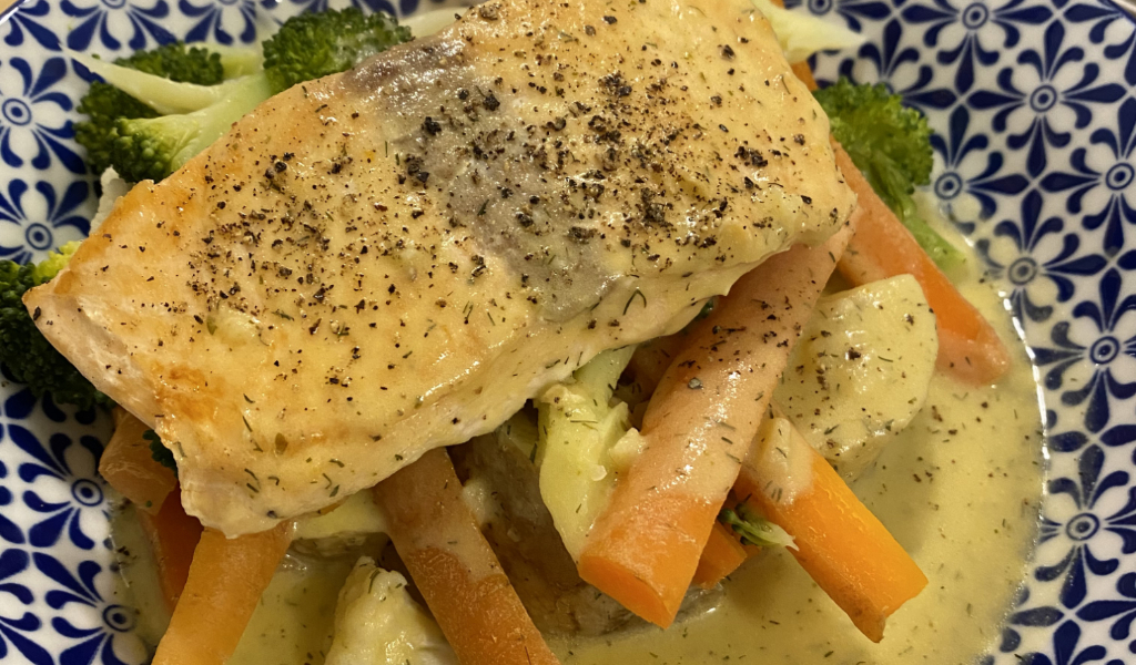 Low dairy white sauce with salmon